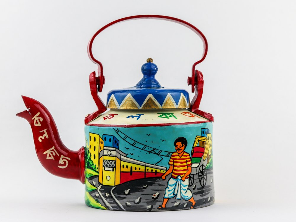 handpainted kettle by rareplanet