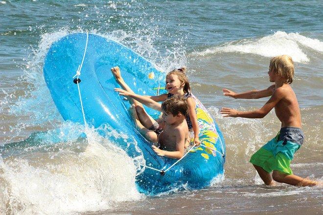 award winning photography riding waves heidi mensch