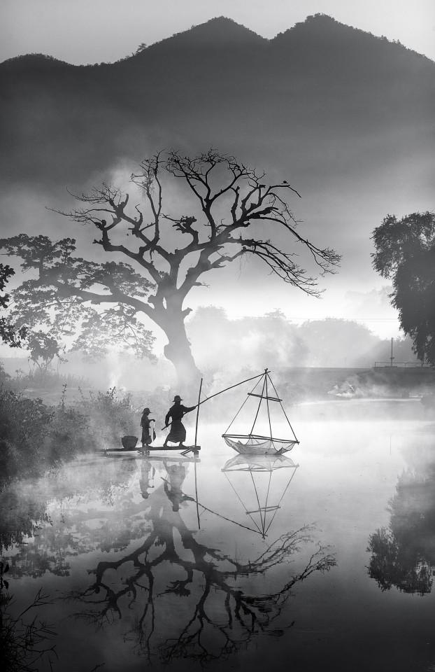 travel photography foggy morning fishing by min min zaw