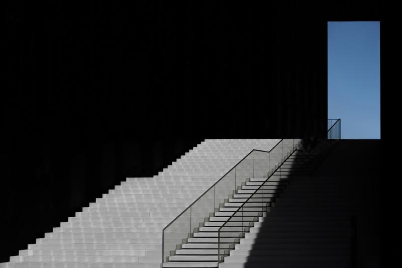 architechture photography blue window by klaus lenzen